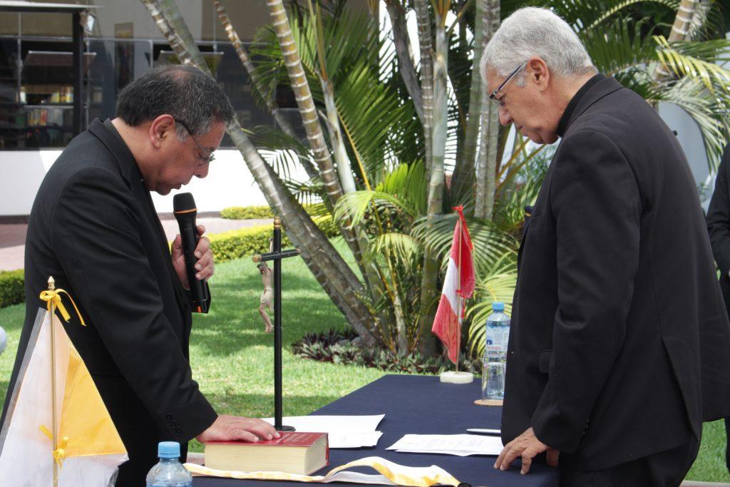 Pbro. Pedro Hidalgo es nombrado rector pro tempore de la Facultad de Teología 1 Pbro. Pedro Hidalgo es nombrado rector pro tempore de la Facultad de Teología