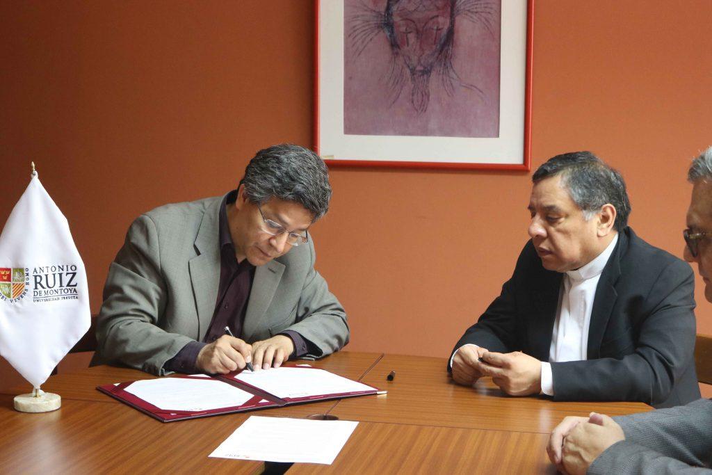 Se firmó convenio entre FTPCL y UARM 3 Se firmó convenio entre FTPCL y UARM